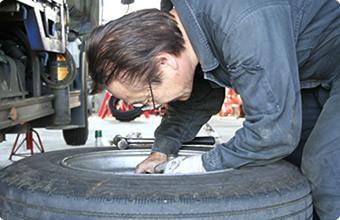タイヤの交換・保管にも対応しております